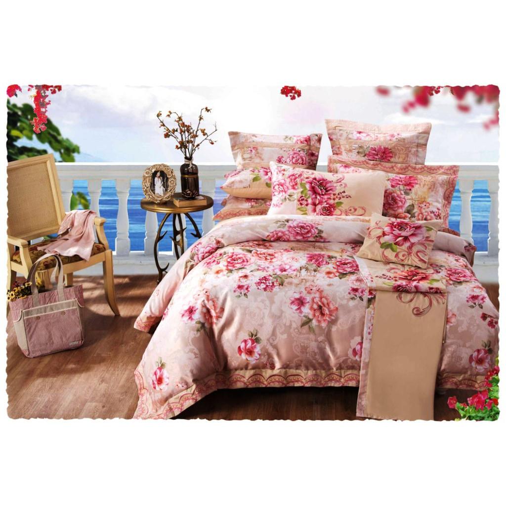 Вышивки в постельных тонах