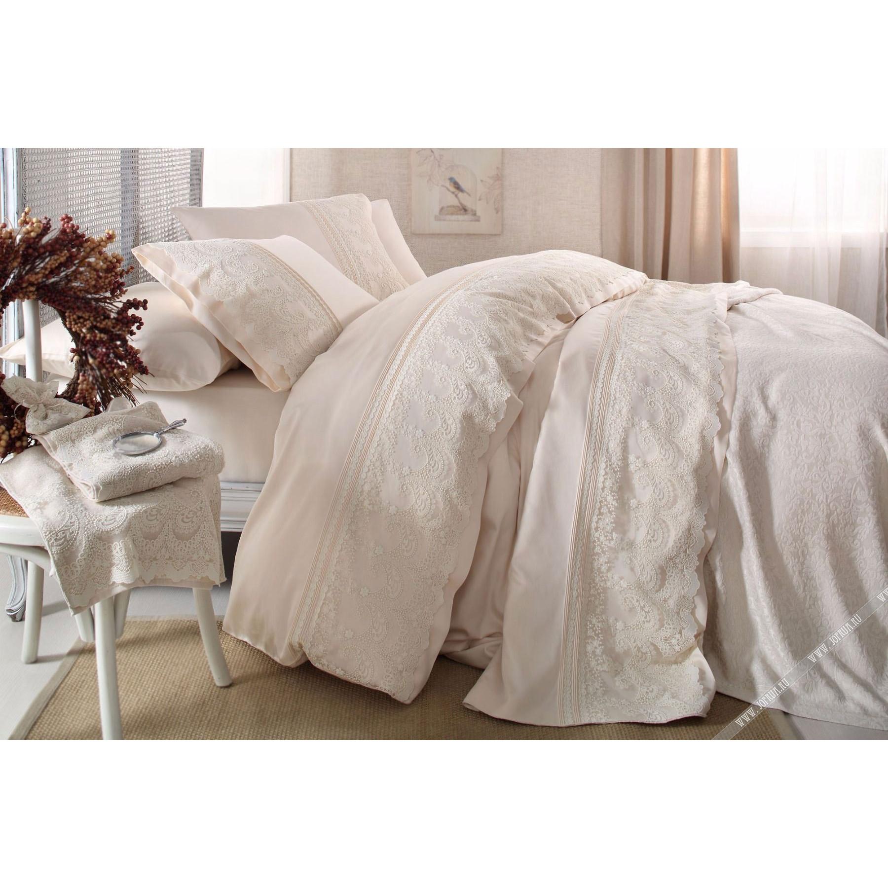 Свадебное постельное бельё в подарок