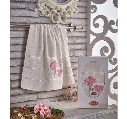 Полотенце в коробке Karna Sisley (кремовое, 50x90)