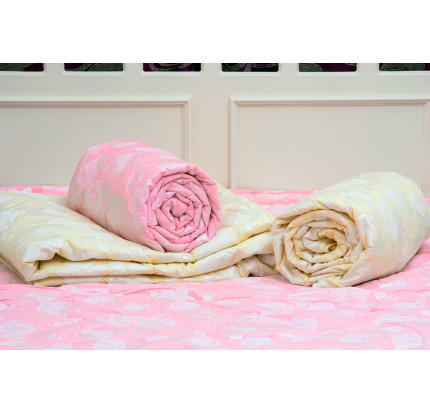 Одеяло Arya (бамбук) с розами, розовое